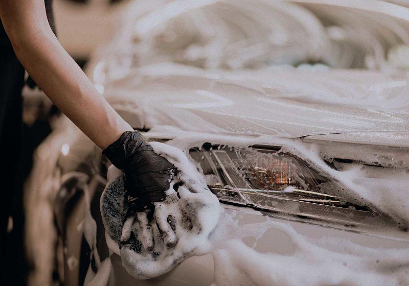 ação de lavar o carro